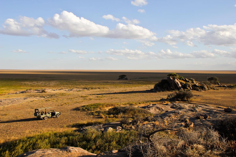 Soit-Lemontonje-view-from-Barafu-Kopjes-Cai-Tjeenk-Willink-HR namiri plains